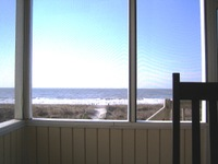 Bon_porch_ocean_sm_mr06_037